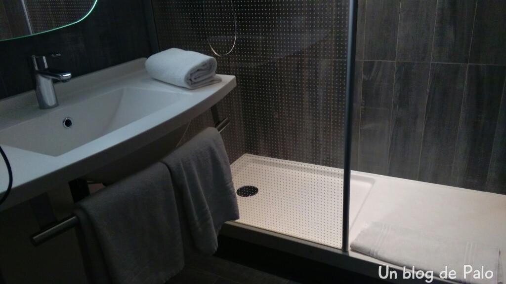 Baño Alojamiento en Bruselas: Hotel ibis off Grand Place